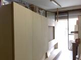 mobile in lavozione dentro la falegnameria